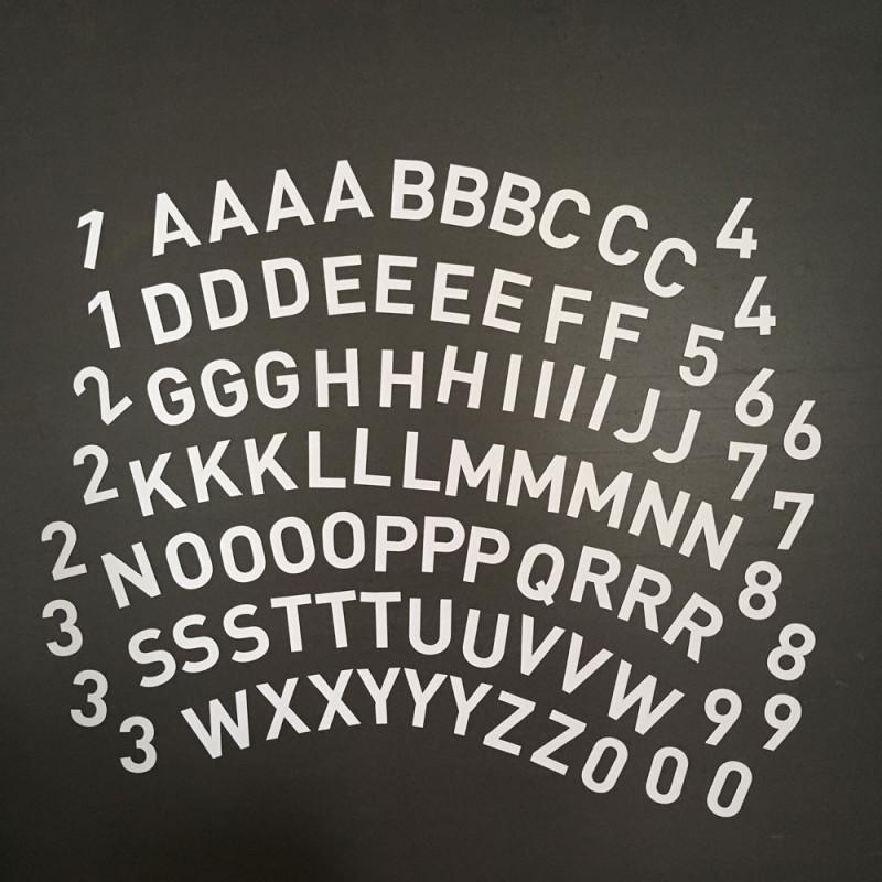 Formes aimantées alphabet & chiffres - blanc - 95 pièces